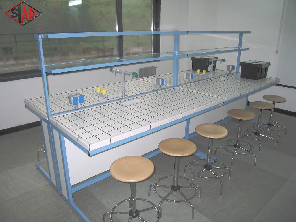 Laboratori scientifici for Arredi da laboratorio